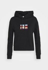 SMALL FLAG BOXY HOODIE - Hoodie - black
