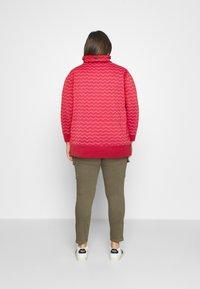 Ragwear Plus - CHEVRON - Mikina - red - 2