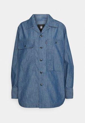 BOYFRIEND SHIRT - Button-down blouse - rinsed