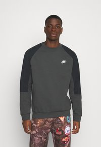 Nike Sportswear - Sweatshirt - smoke grey/black/white - 0