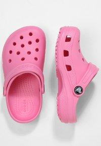 Crocs - CLASSIC - Pool slides - pink lemonade - 1