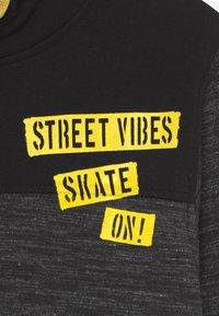Blue Seven - TEENS STREET VIBES - Hoodie - schwarz - 3
