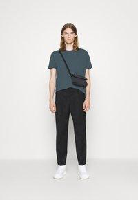 Filippa K - Basic T-shirt - charcoal blue - 1