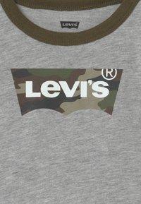 Levi's® - SET - Trousers - khaki/grey - 3