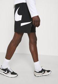 Nike Sportswear - Šortky - black/white - 3