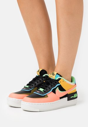 AIR FORCE 1 SHADOW - Joggesko - solar flare/atomic pink/baltic blue/black/illusion green/olive flak