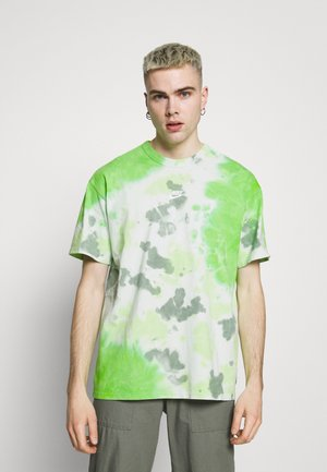 TEE  - T-shirt med print - mean green/barely green