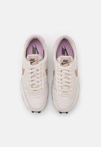 Nike Sportswear - DAYBREAK - Trainers - light orewood brown/metallic red bronze/black/light arctic pink/summit white - 4
