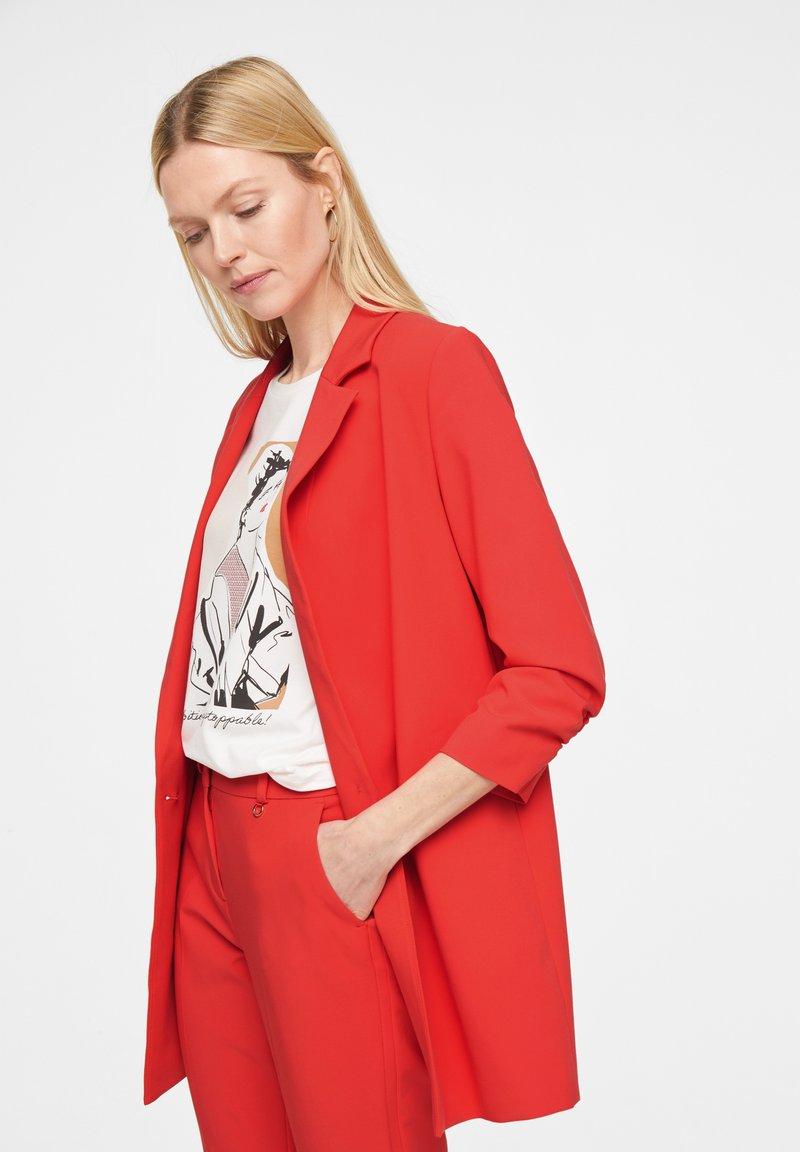 comma - Short coat - red