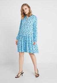 Moss Copenhagen - FRYD TURID DRESS - Shirt dress - blue/black - 0