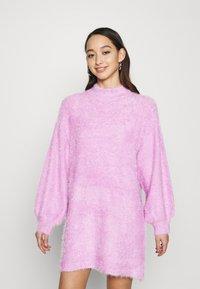 NA-KD - STEPHANIE DURANT - Strikket kjole - pink - 0