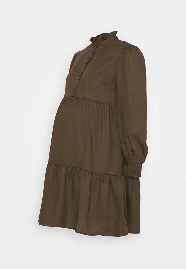 PCMLULLA DRESS - Abito a camicia - black olive