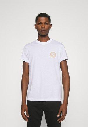 T-shirt con stampa - bianco/gold