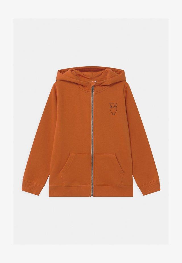 LOTUS OWL HOOD - Hoodie met rits - orange