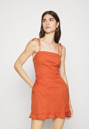 BARE BUTTON THRU  - Day dress - auburn
