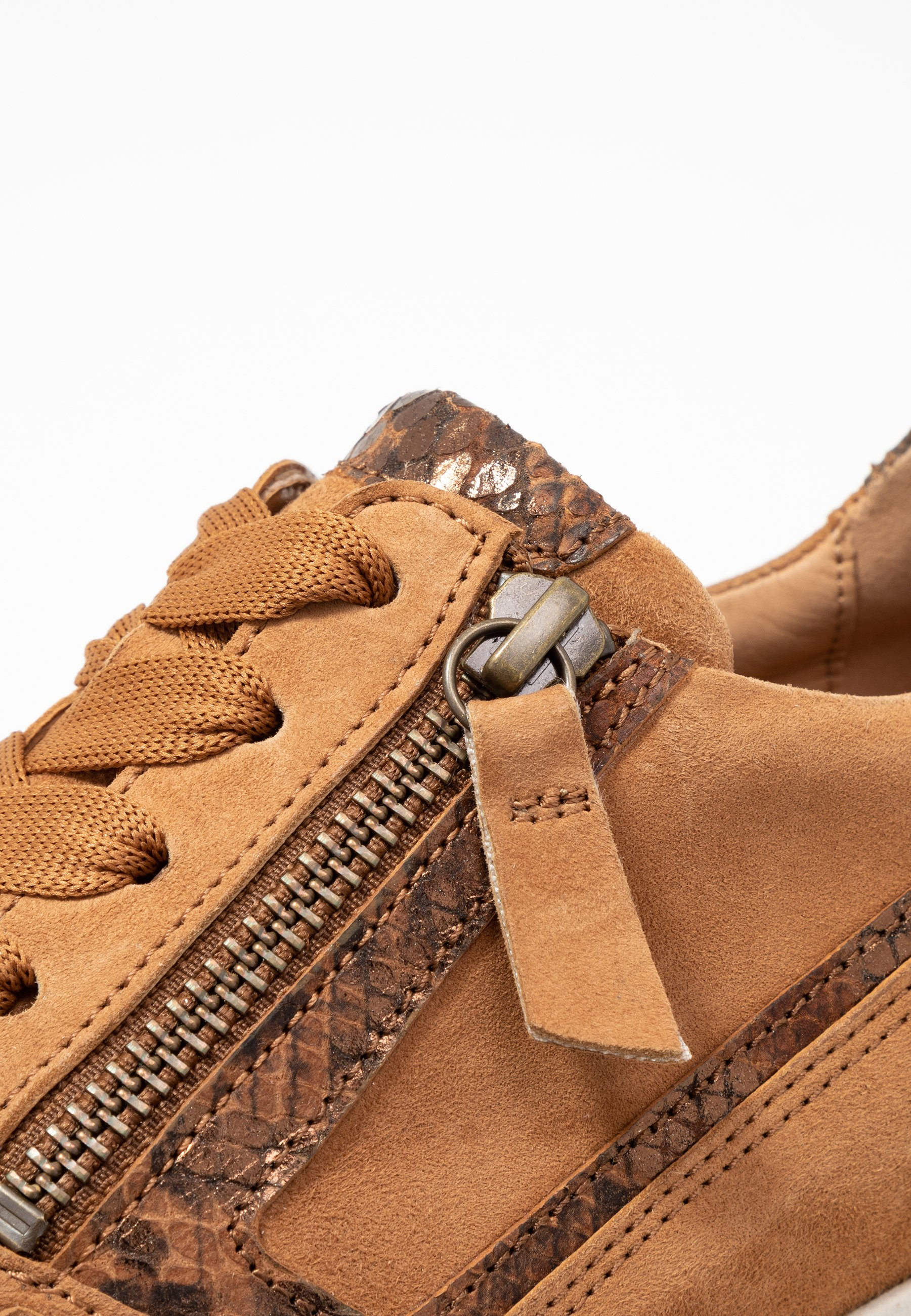 Gabor Comfort Trainers - Sattel/whisky