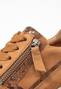 Gabor Comfort - Zapatillas - sattel/whisky - 2
