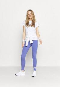 Puma - METALLIC LOGO TEE - Camiseta estampada - white/silver - 1