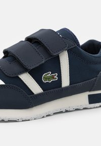 Lacoste - PARTNER UNISEX - Trainers - navy/offwhite - 5