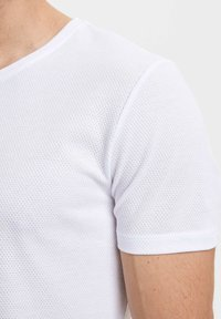 DeFacto - Basic T-shirt - white - 3