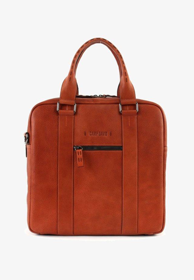 MOUNT MCKINLEY - Across body bag - orange