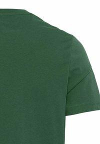 camel active - Print T-shirt - jungle green - 8