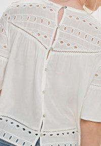 ONLY - ONLIRINA ANGLAISE - Blouse - off-white - 3