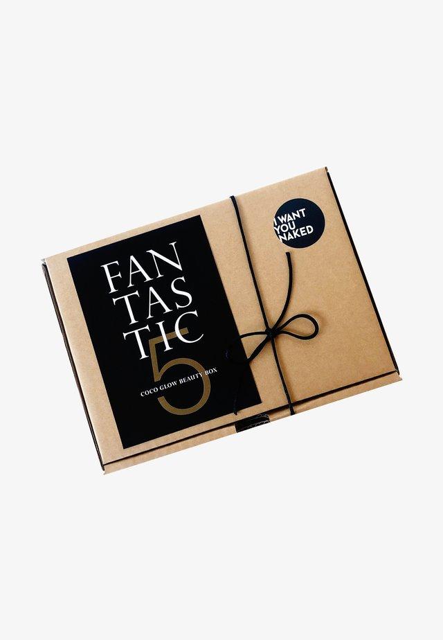FANTASTIC FIVE - COCO GLOW BEAUTY BOX - Set pour le bain et le corps - -