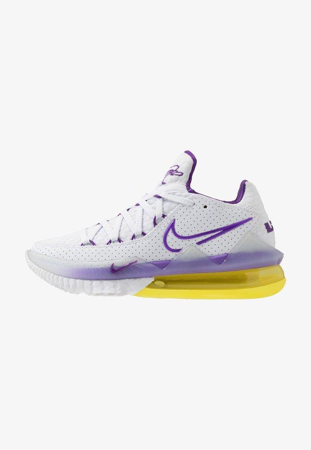 LEBRON XVII LOW - Obuwie do koszykówki - white/voltage purple/dynamic yellow