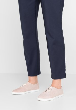 Casual lace-ups - rose