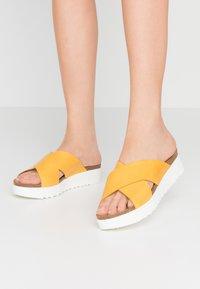 Grand Step Shoes - EMMA - Mules - sun - 0