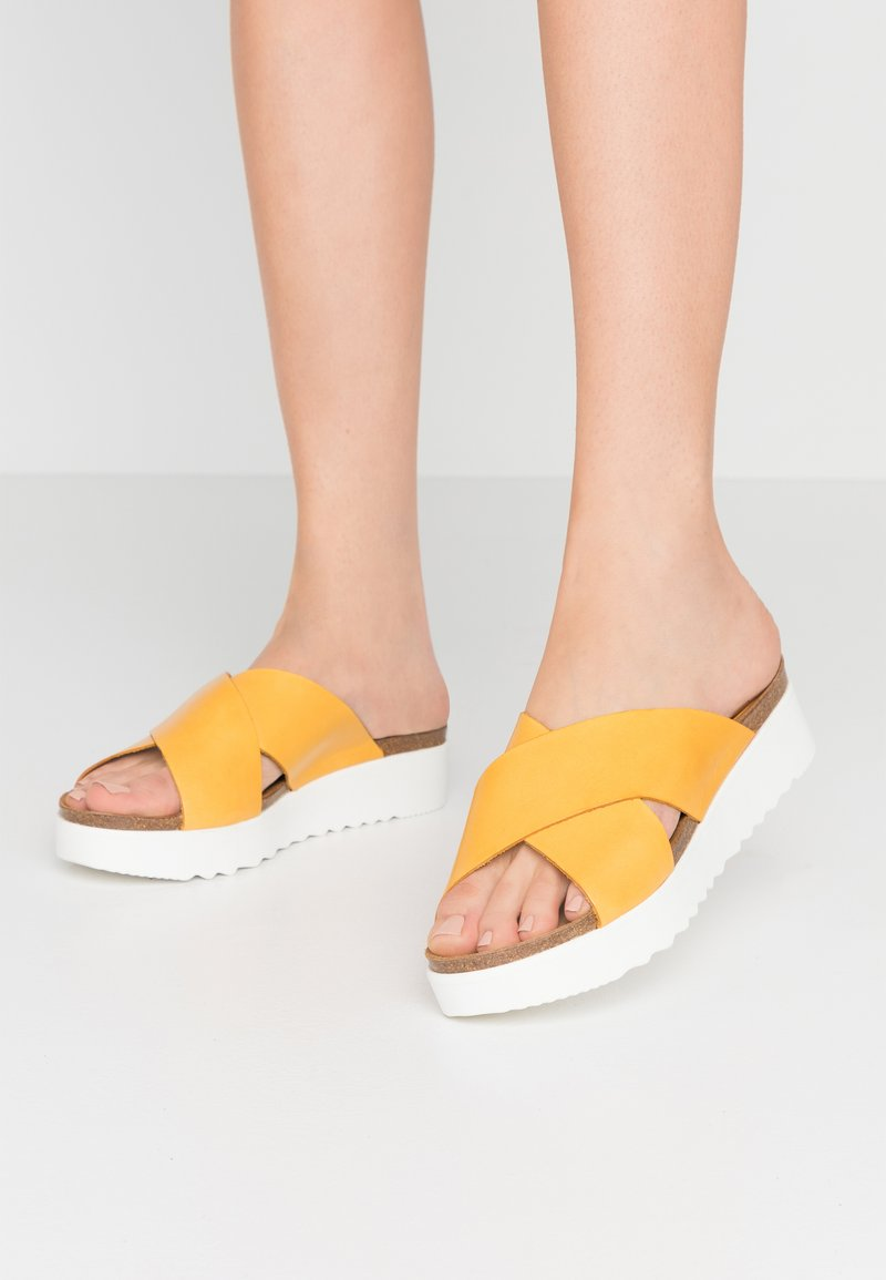 Grand Step Shoes - EMMA - Mules - sun
