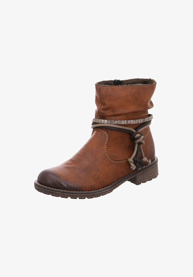 Boots - chestnut (241)