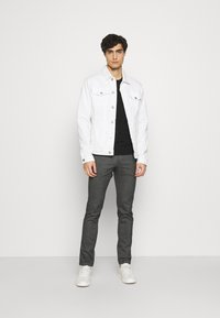 Tommy Hilfiger - BLEECKER  LOOK - Chinos - black - 1