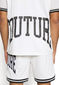 The Couture Club - VARSITY BADGED MESH OVERSIZED T-SHIRT - Print T-shirt - white - 6
