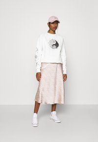Topshop - MYSTICAL MOON  - Sudadera - off-white - 1