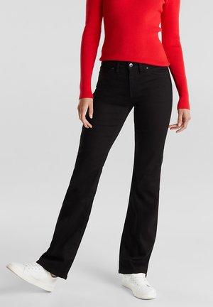 MIT BOOTCUT UND STRETCH - Bootcut jeans - black rinse