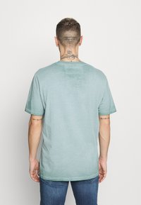 Only & Sons - ONSMILLENIUM LIFE  - T-shirt - bas - silver blue - 2