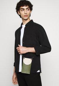 Filippa K - ZACHARY - Shirt - almost black - 4