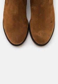 Gabor Comfort - Vysoká obuv - cognac - 5