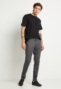 Dickies - 872 SLIM FIT WORK PANT - Chinos - charcoal grey - 1