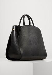 Coccinelle - CONCRETE LIZARD - Handbag - noir - 1