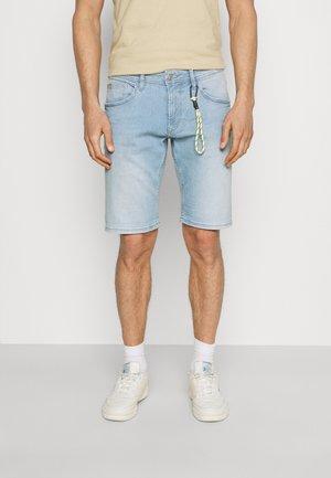 REGULAR FIT - Denim shorts - heavy bleached blue denim