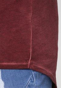 Tigha - MILO - T-shirt - bas - vintage rust red - 4