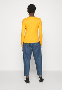 Levi's® - BABY TEE - Long sleeved top - gold coast - 2