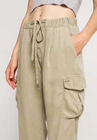 Pepe Jeans - JYNX - Cargo trousers - thyme - 3