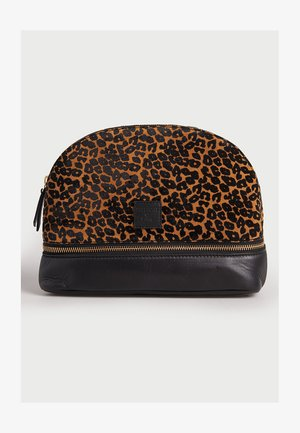 Wash bag - leopard print