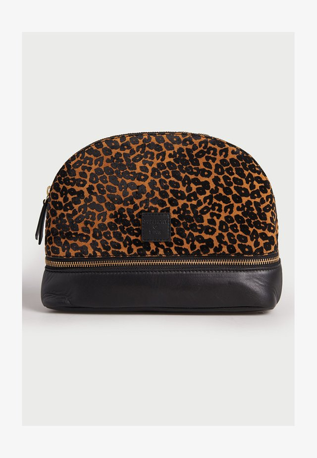 Wash bag - leopard print