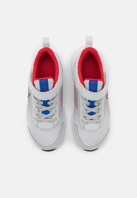 Nike Performance - DOWNSHIFTER 11 UNISEX - Neutral running shoes - photon dust/game royal/university red/white - 3