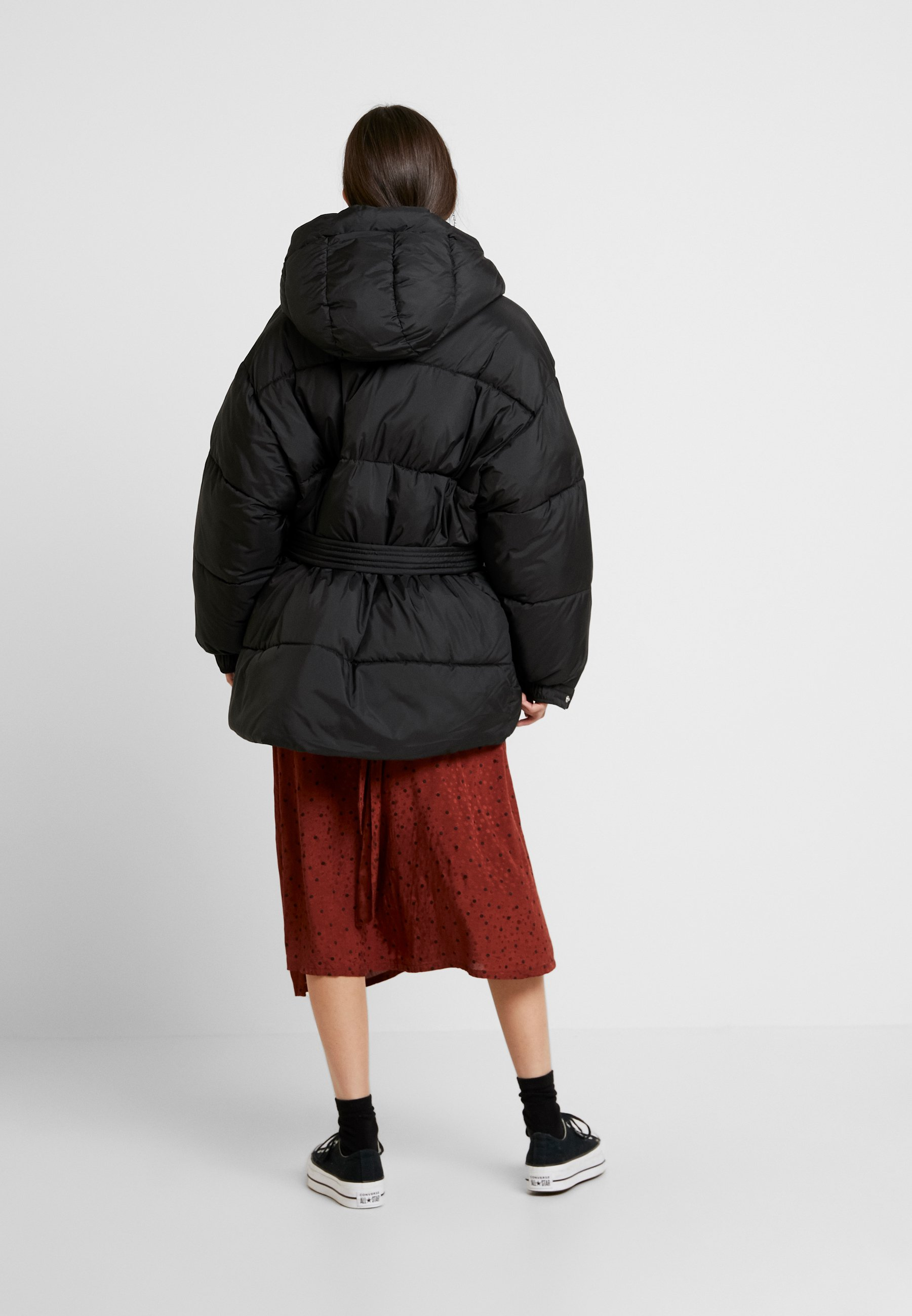 BELTED PUFFER JACKET Vinterjacka black